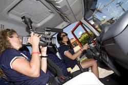 Jornalistas argentinas se preparam para testar o Novo Iveco Tector.