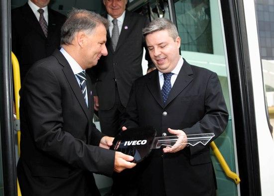 BH recebe ônibus Iveco movido a GNV 24 10 Entrega Eurorider2