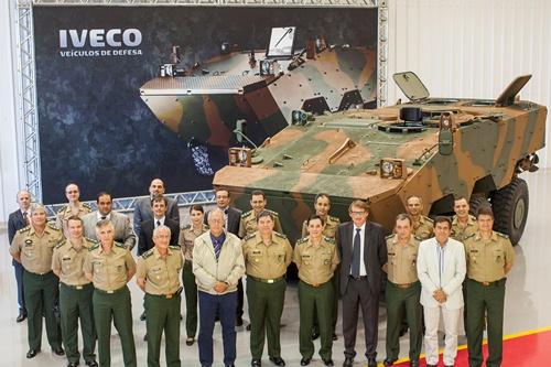 Primeiro lote de Guarani é entregue ao Exército Brasileiro 0612 Guarani Entrega