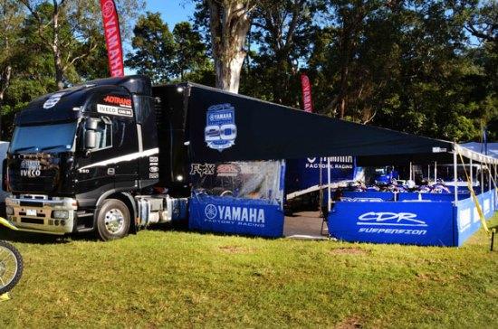 Iveco é patrocinadora da Yamaha no MotoGP 0104 MotoGP Yamaha